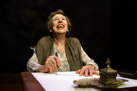 "Jean Stapleton portraying Eleanor Roosevelt in the 2000 one-woman play ""Eleanor: Her Secret Journey."" Stapleton died Friday at age 90."