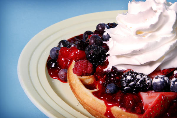 Berry-topped waffles at RaeAnne's Breakfast & BBQ