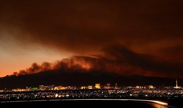 Hundreds flee growing Mount Charleston fire