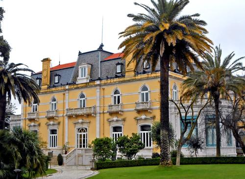 The Pestana Palace, a luxury hotel located in a residential area of Lisbon.