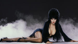 Knott's Halloween Haunt 2013: Six new mazes and the return of Elvira
