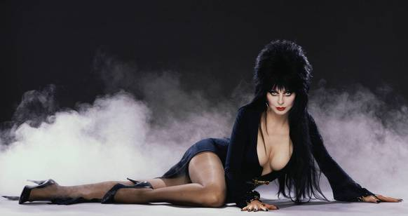 "Halloween Haunt 2013 will feature Elvira Mistress of the Dark in her first show at Knott's Berry Farm in more than a decade. ""Elvira's Sinema Seance"" will include singing, dancing and comedy by the Mistress of the Dark."