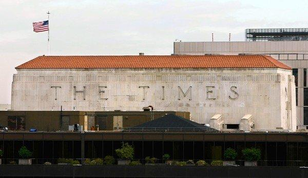 Tribune to spin off newspapers