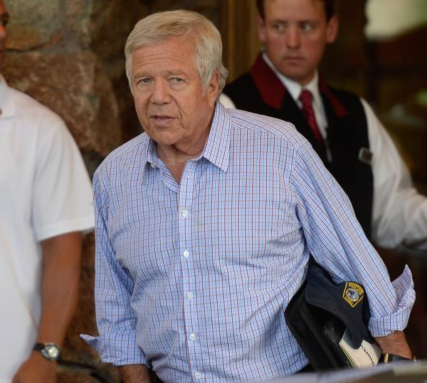 Patriots owner Robert Kraft arrives on Tuesday for the Allen Co. media and technology conference in Sun Valley, Idaho.