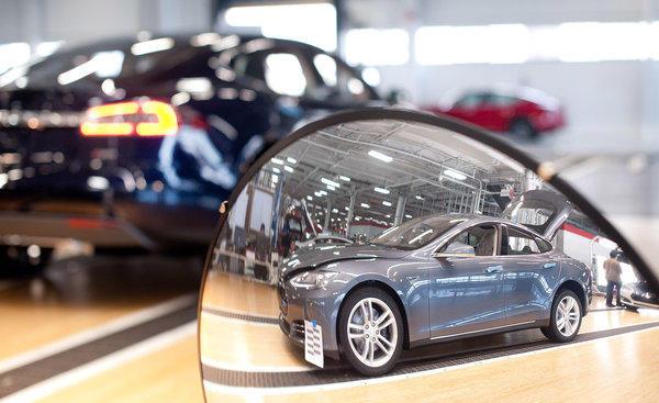 Tesla far surpassing output goals elon musk says latimes for Pace motor lines inc