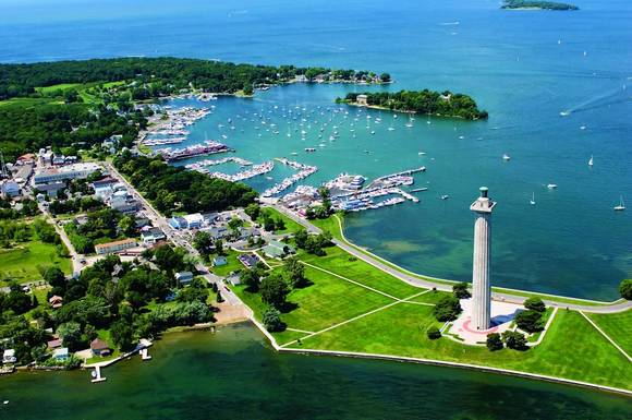 Perry's Victory Monument & Peace Memorial (the Doric column) at Put-in-Bay, Ohio, in Lake Erie