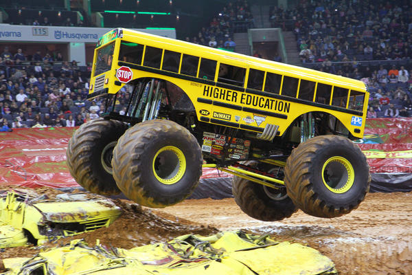 Racing and freestyle competitions by monster trucks Higher Education, shown, Grave Digger, Black Stallion and others.