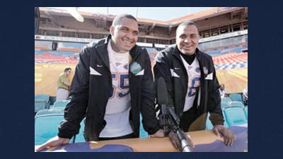 Pittsburgh Steelers' Maurkice Pouncey, right, and his twin brother Mike.