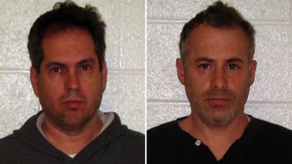 George Harasz, izquierda y Douglas Wirth, despus de su arrestos en noviembre del 2011.
