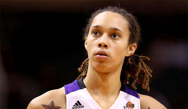 Brittney Griner is averaging 14.9 points, 6.4 rebounds per game for the Phoenix Mercury in her rookie season.