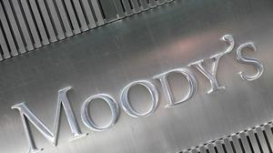 Moody's upgrades U.S. credit rating outlook as budget deficit falls