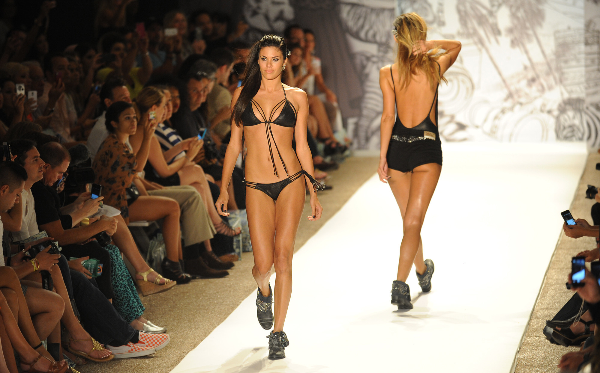 Miami Swim Week: The catwalk - Agua Bendita