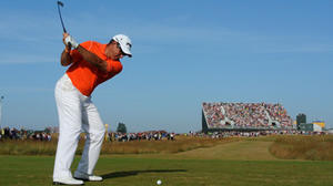 Lee Westwood leads British Open; Tiger Woods close