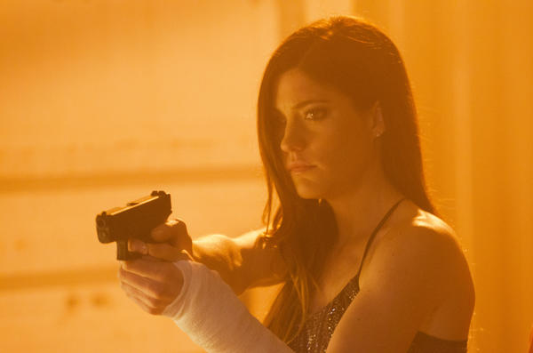 Jennifer Carpenter's Debra Morgan continues her downward spiral.