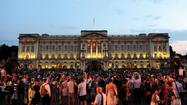 Royal baby born: Cheers outside Buckingham Palace