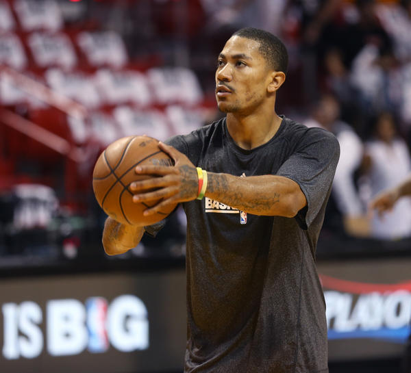 Derrick Rose works out before the start of Game 5 Eastern Conference semifinals on May 15. (Nuccio DiNuzzo/Tribune Photo)