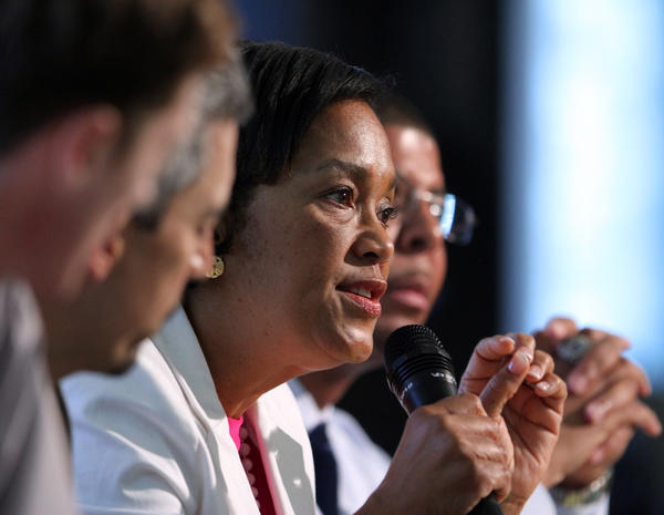 State Sen. Toni Harp makes a point during a debate July 16 among Democratic candidates for New Haven mayor.