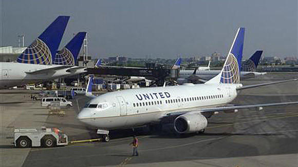 United Airlines parent UAL Corp. saw revenue of $10 billion in the second quarter -- a record high.
