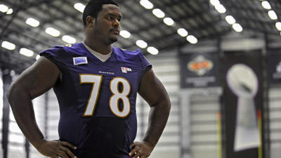 Bryant McKinnie not practicing, reported over prescribed weight…