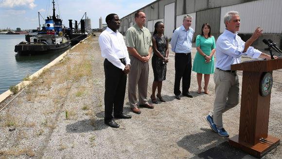 Mayor Rahm Emanuel announces plans to revitalize the Port of Chicago last Sunday.