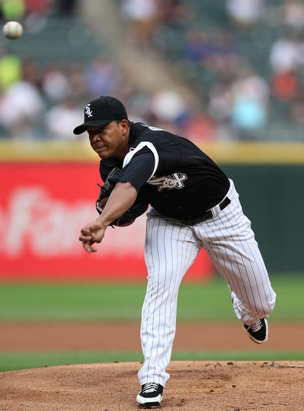 White Sox starting pitcher Jose Quintana delivers to the Royals in the first inning at U.S. Cellular Field on Friday.