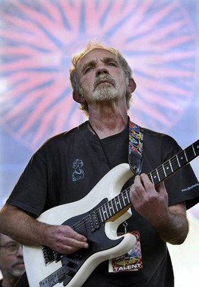 """J.J. Cale in 2004; the Oklahoma-born musician who shunned the spotlight but gained fame by penning such hits as """"After Midnight"""" and """"Cocaine"""" has died at 74."""