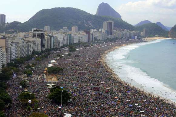 A crowd estimated at 3 million crowds Copacabana beach in Rio de Janeiro on Sunday as Pope Francis celebrated the final Mass of his visit to Brazil.