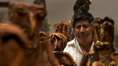 Alejandro Santiago dies at 49; Mexican artist made migrant statues
