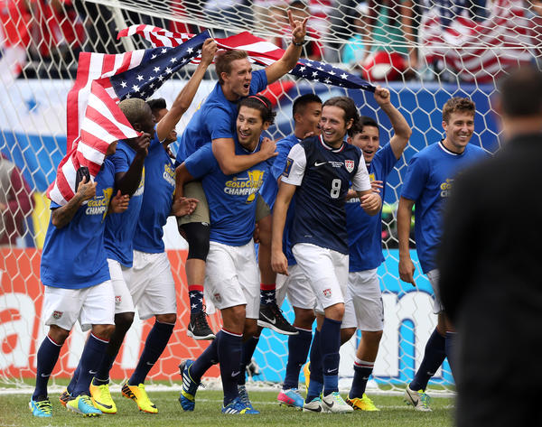 United States celebrates 1-0 win over Panama in 2013 CONCACAF Gold Cup final at Soldier Field on Sunday.