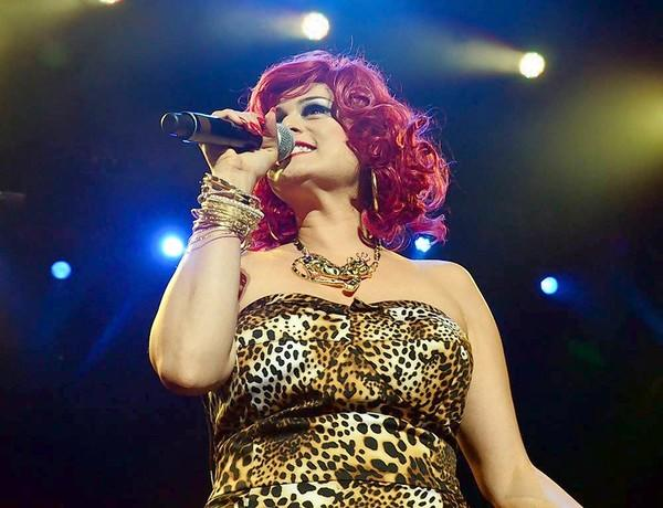 Monique Powell of Save Ferris performs with a new backing band under the same name at the Pacific Amphitheatre on Saturday night.
