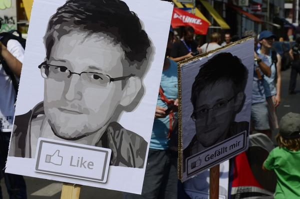 Snowden supporters protest in Berlin