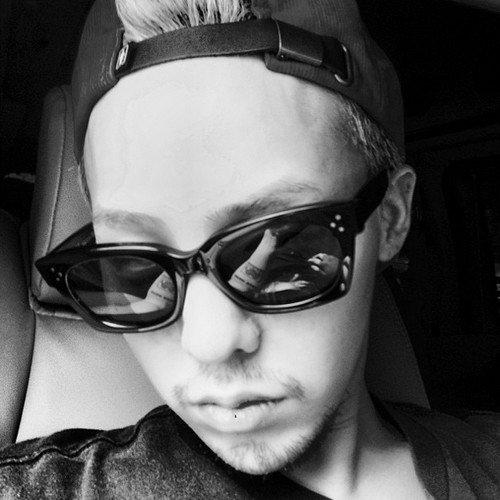 A self-portrait of K-Pop star G-Dragon from Instagram.