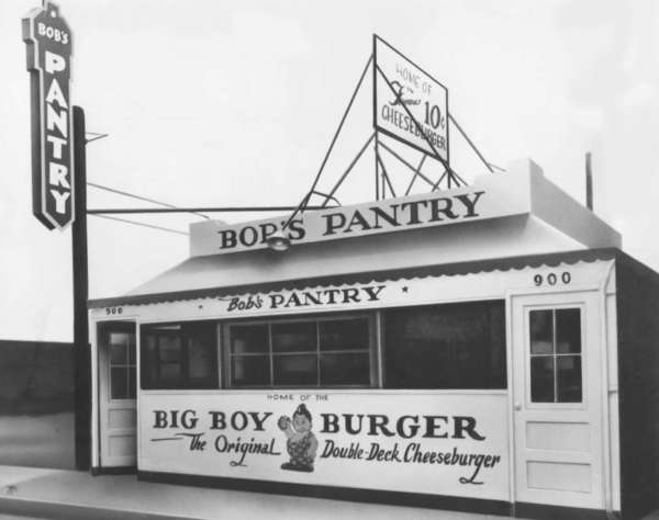 This is how the Bob's Big Boy Restaurant looked when it opened in 1936 on Colorado Street in Glendale. It was here that the first double-deck hamburger was invented.