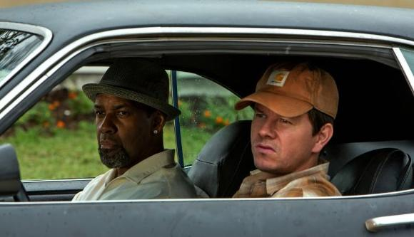 '2 Guns' is expected beat 'Smurfs 2' at weekend box office