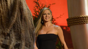 Jennifer Aniston talks nudism, Katie Couric on 'Chelsea Lately'