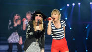 Taylor Swift and Carly Simon duet on 'You're So Vain'