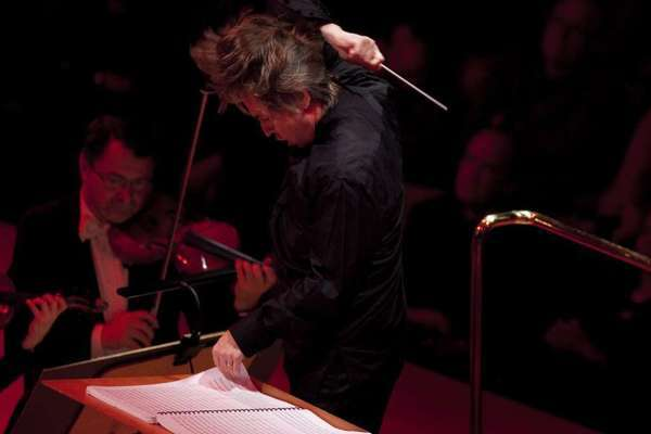 Esa-Pekka Salonen conducting at Walt Disney Concert Hall in 2011.