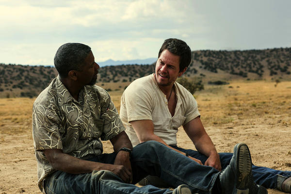 "Denzel Washington and Mark Wahlberg in ""2 Guns."""