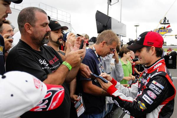 Jeff Gordon has new appreciation for NASCAR's fan base after watching IndyCar race at Pocono.
