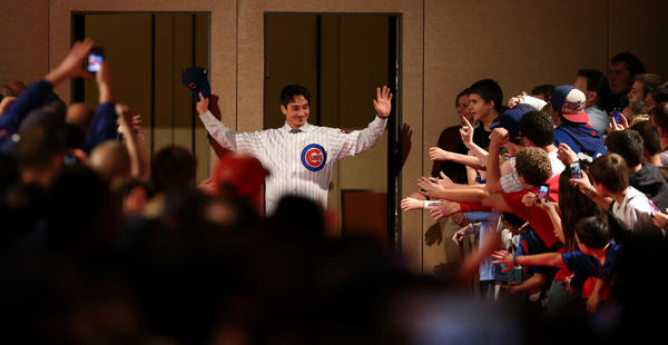 Cubs second baseman Darwin Barney, shown during Cubs Convention, turned the tables on outgoing Cubs beat writer Paul Sullivan.