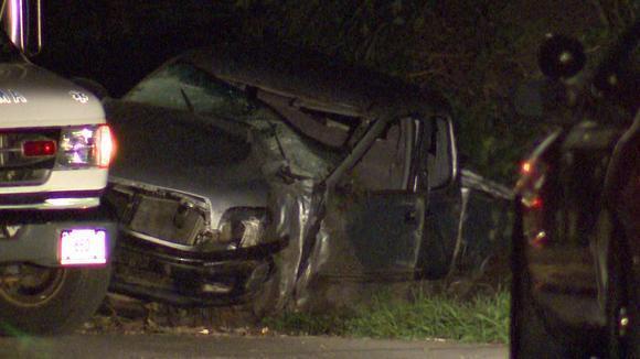 La escena de un accidente fatal en Hebrn el martes temprano. La polica dijo que Paige Houston, 17, muri en el accidente.