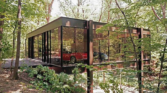 A Highland Park home and pavilion made famous in the movie 'Ferris Bueller's Day Off' is for sale for $1.5 million.