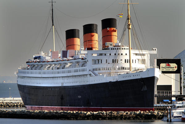 The half-hour cruise from Shoreline Village sails past the Queen Mary and out to open sea before returning to Long Beach.