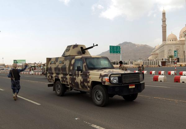 Security forces sealed off important government and diplomatic sites in Sana, Yemen's capital, amid reports that an Al Qaeda plot to seize key oil facilities and Western hostages had been foiled.