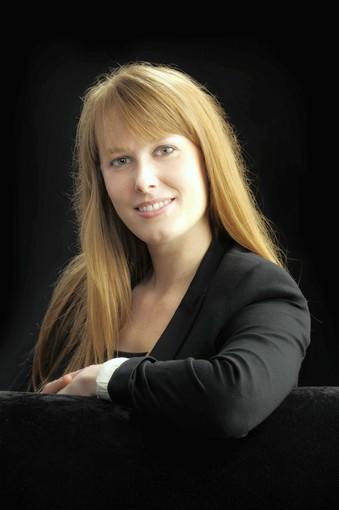 Author Lindsay Moynihan lives in Orlando.