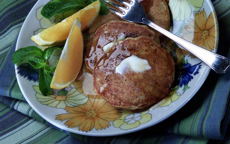 Ginger Oatmeal Pancakes