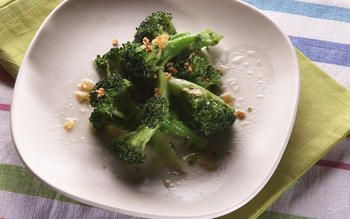 Thai-style broccoli with garlic