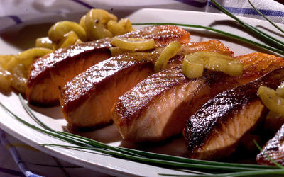 Seared salmon with cucumbers and brown butter