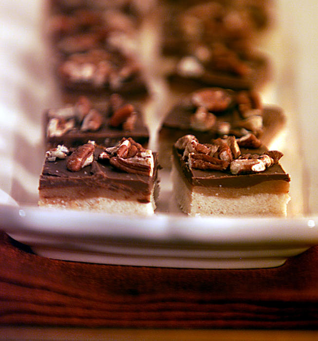 Chocolate Caramel Shortbread Bars