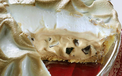 Baked Alaska Coffee Ice Cream Pie